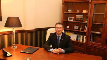 Pastorul baptist din Parlament are o avere colosală! Deputatul Ben-Oni Ardelean i-a făcut nesimţiţi pe jurnaliştii care au vrut să asiste la o şedinţă!