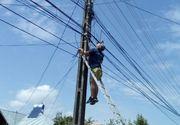 Un tânăr de 25 de ani care lucra la montarea separatoarelor de sens pe DN 1 a murit electrocutat