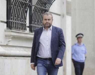 Noi detalii în cazul lui Darius Vâlcov: Fostul consilier al lui Dăncilă scapă de...