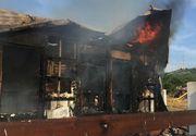 Incendiu la o pensiune din Tulcea, mai multe persoane au părăsit imobilul când au izbucnit flăcările