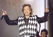Mick Jagger a revenit pe scenă în primul concert după operaţia la inimă suferită în aprilie