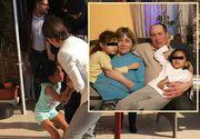 VIDEO | Au apărut noi imagini șocante cu fetița de 8 ani scoasă cu forța din casa asistenților maternali. Cum a fost târâtă pe asfalt