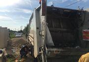 Sfârşit teribil: Ucis de mașina de gunoi