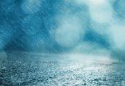 Avertizare Infotrafic: Plouă torenţial pe Autostrada Soarelui şi bate vântul, vizibilitatea fiind scăzută