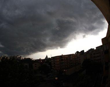 Furtuna a făcut prăpăd în județul Buzău. Aproape 9.500 de gospodării au rămas fără...