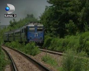 VIDEO | Tragedie pe calea ferată. Cum s-a petrecut nenorocirea care a lăsat în urmă doi...