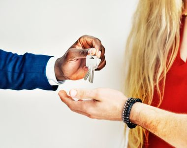 Cum sa obtii un pret mai bun pentru locuinta pe care o vinzi?