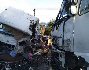 Imagini terifiante! Accident pe DN1, în zona localităţii Sâmbăta de Jos. Un tânăr și-a...