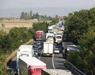 Ministerul Transporturilor adoptă o măsură prin care formarea şoferilor profesionişti...