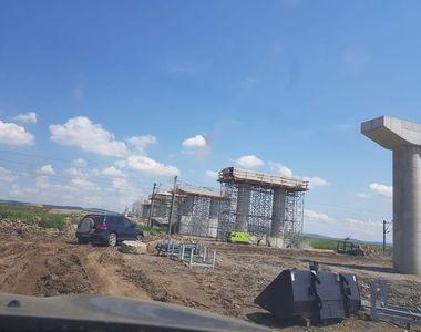 Stadiul fizic de execuţie al centurii Bacăului, parte din Autostrada Moldovei, a ajuns...
