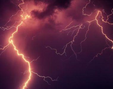 Coduri galben şi portocaliu de ploi torenţiale, descărcări electrice, intensificări ale...