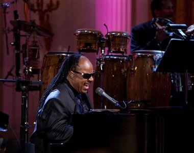 Stevie Wonder va fi supus unui transplant de rinichi