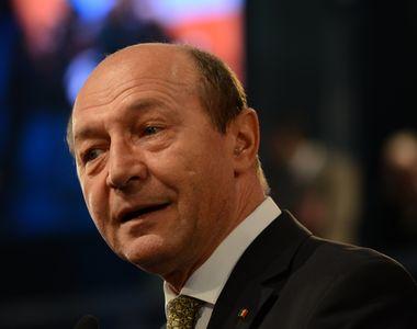 """Traian Băsescu, despre Dăncilă și Teodorovici: """"S-au «bălăcit» cu picioarele în..."""