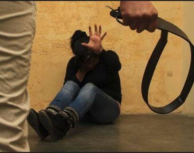 O adolescentă s-a sinucis după ce autorităţile şi familia au obligat-o să se mărite cu...