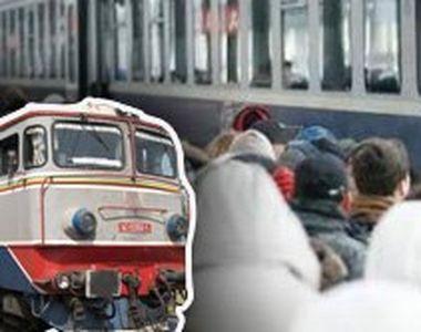 VIDEO | Călătoriile cu trenul au devenit un coșmar. Oamenii stau îngrămădiți, în...
