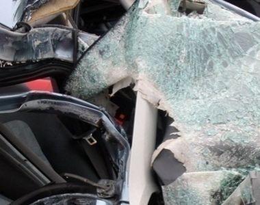 VIDEO | Un copil de 12 ani a murit după ce a provocat un accident rutier cu mașina...