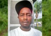 Un bărbat de 45 de ani a fost găsit mort. Pe trupul său erau 100 de mușcături de câine
