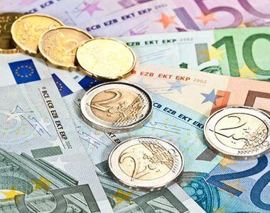 Euro a crescut spre nivelul de 4,74 lei