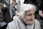O bătrânică din Iași i-a venit de hac unui escroc care a încercat să o fure de 6000 de euro