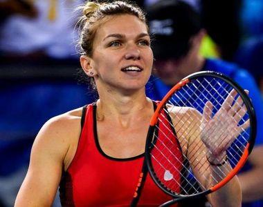Finala turneului de la Wimbledon, între Simona Halep şi Serena Williams, a început