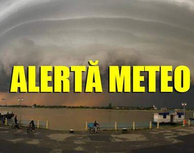 Avertizare MAE pentru românii care călătoresc în Grecia - ploi torenţiale, furtuni,...