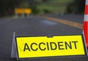 Accident pe DN79 - un bărbat a murit, o persoană este încarcerată, iar o alta are leziuni multiple