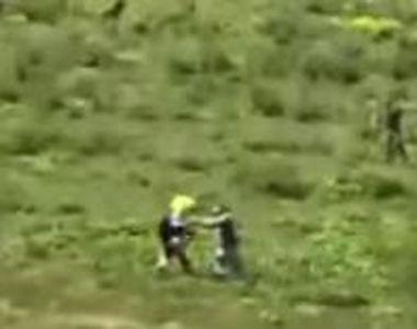 Motociclist belgian desfigurat de mai mulți ciobani din Bistrița. Acesta voia să le dea...