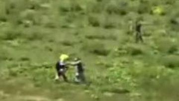 Motociclist belgian desfigurat de mai mulți ciobani din Bistrița. Acesta voia să le dea bani și să le ceară scuze