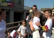 Simona Halep şi-a prezentat trofeul câştigat la Wimbledon, la Constanţa, în Piaţa Ovidiu, în faţa a mii de oameni
