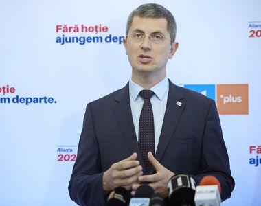 Alianţa 2020 USR-PLUS a anunţat oficial candidatura lui Dan Barna la alegerile...