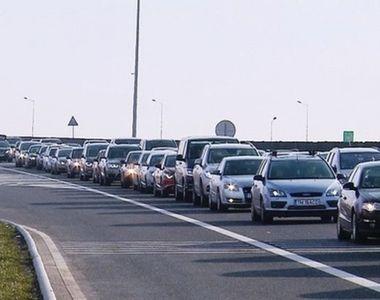 Trafic aglomerat pe sensurile către Capitală ale autostrăzilor A2 Bucureşti-Constanţa...