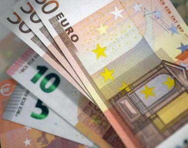Euro a scăzut spre 4,71 lei. Francul elveţian, la cel mai înalt nivel din ultimii 4 ani
