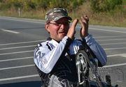 A murit Vasile Stoica, maratonistul român care a străbătut lumea în scaun cu rotile
