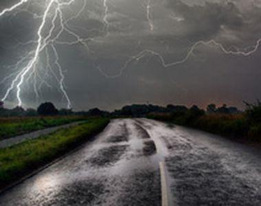 VIDEO   Imaginea Apocalipsei pe litoral. O furtună a făcut prăpăd