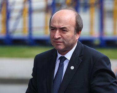 Tudorel Toader, fostul ministru al Justiției, dus de urgență la spital