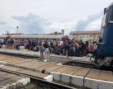 VIDEO | Zeci de copii au circulat în condiții greu de imaginat într-un tren CFR