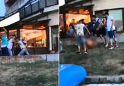 Violență ieșită din comun. Bărbat bătut crunt de cinci tineri pe faleza din Tulcea. Totul a fost transmis live pe Facebook