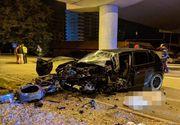 Un tânăr de 20 de ani a murit pe loc după ce a intrat cu viteză într-o pasarelă de beton