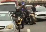 Un bărbat înarmat a ținut cel puţin 16 persoane ostatice într-un autobuz pe un pod la Rio de Janeiro