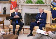 """""""Make România great again!"""" - Trump i-a dăruit preşedintelui Iohannis o şapcă cu acest mesaj - FOTO"""