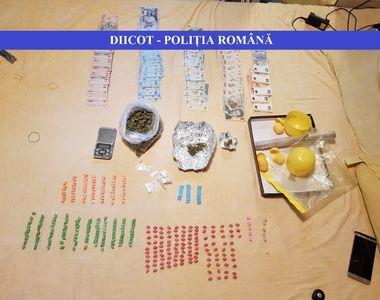 Doi tineri din Giurgiu care ar fi vândut cannabis, ecstasy şi cocaină în judeţ şi pe...