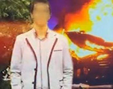 VIDEO | Gest șocant al unui tânăr. Și-a dat foc după ce tatăl său l-a băgat în depresie