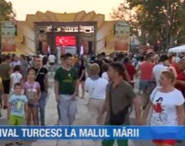 VIDEO | Festival turcesc la malul mării. Piațeta Cazino din Mamaia s-a transformat...