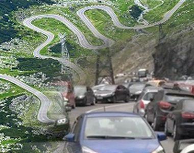 VIDEO | Haos pe Transfăgărășan. Mii de turiști au stat la niște cozi cum doar pe DN1...