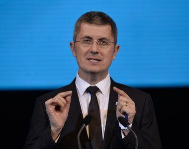 Barna cere demisia premierului Dăncilă şi acord politic pentru declanşarea alegerilor...