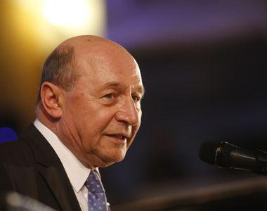 """Traian Băsescu: """"Afară PSD! Să vină PNL! Premierul Dăncilă trebuie să-şi depună..."""