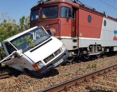 Un cetăţean italian a murit după ce maşina în care se afla a fost lovită de un tren marfar
