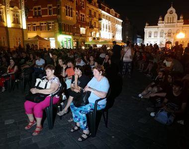 Central European Film Festival Timișoara: Zeci de cinefili s-au strâns în prima seară...