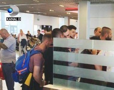 VIDEO | 8 ore de chin pe aeroport pentru zeci de români