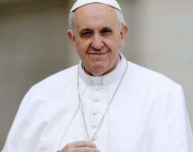 Papa Francisc a anunţat că a fost blocat în lift, duminică, timp de 25 de minute